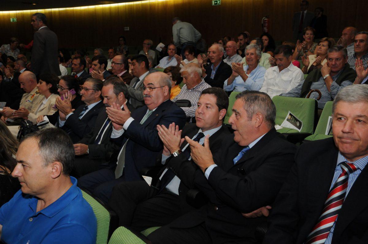 García-Page asiste al concierto de la Academia de Infantería de Toledo con motivo de su patrona