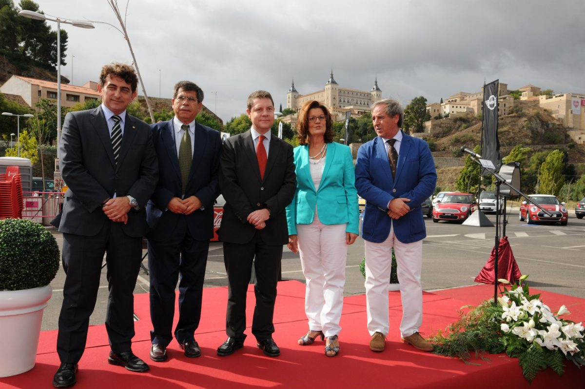 García-Page muestra su respaldo al sector automovilístico en la IX Feria del Vehículo de Ocasión de Toledo
