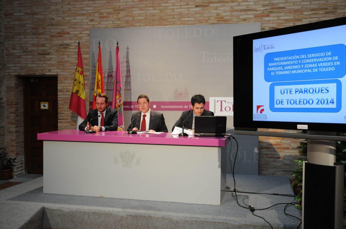https://www.toledo.es/wp-content/uploads/2014/10/contrato_parques-1200x797.jpg. El Ayuntamiento invertirá un 40% más en mantenimiento y mejoras de los  parques de Toledo con la nueva concesión