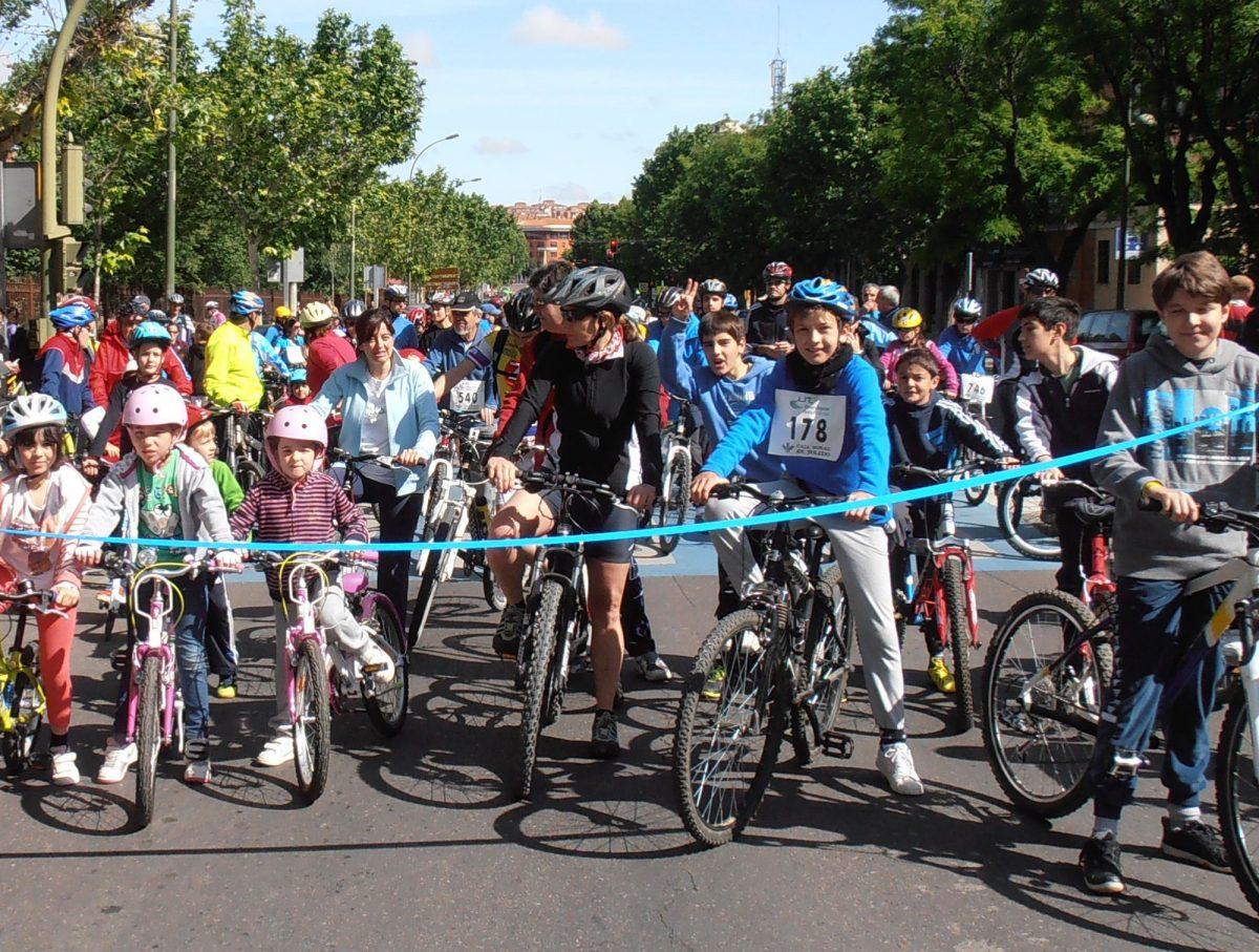 El próximo domingo 19 de octubre Toledo  celebra en el Parque Escolar su XIX Día de la Bicicleta y del Patín en Familia
