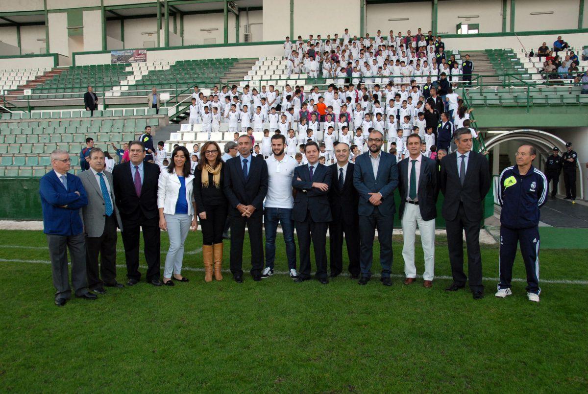 García-Page agradece al Real Madrid y la Caixa que sigan apostando por Toledo para la escuela sociodeportiva de fútbol