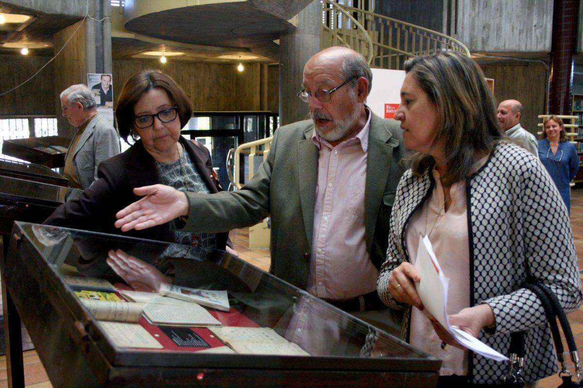 La Biblioteca del Polígono repasa en una muestra de libros de texto la formación de los españoles de principios del siglo XX