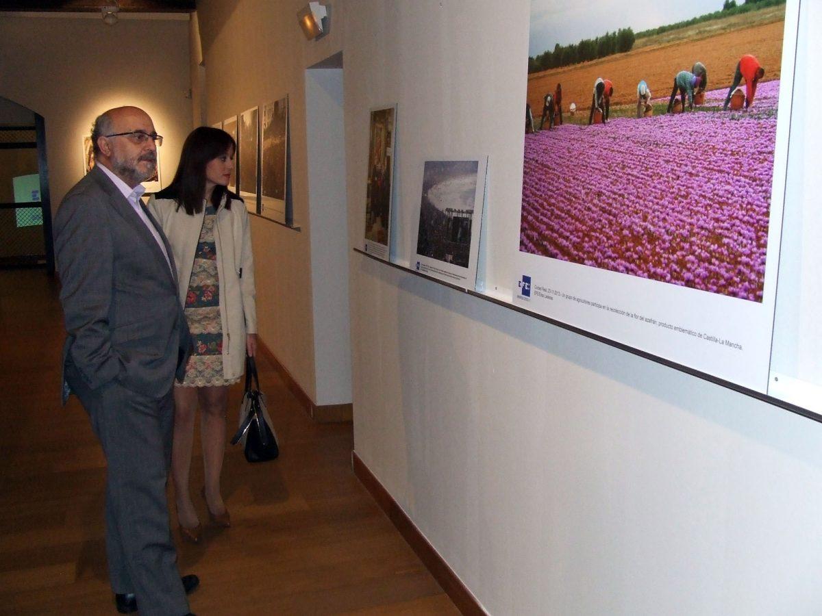 El Ayuntamiento se suma al aniversario de la Agencia Efe que celebra sus 75 años con una muestra en el convento de Santa Fe