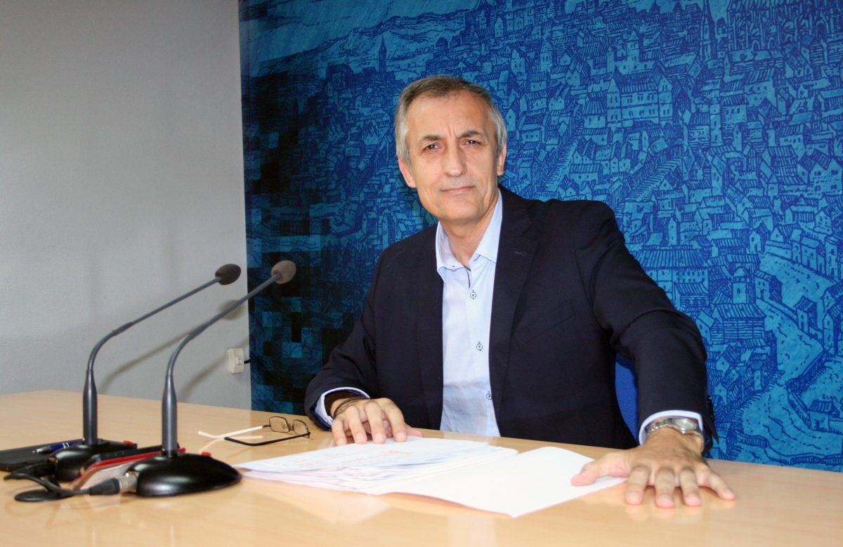 https://www.toledo.es/wp-content/uploads/2014/10/guijarro-1200x779.jpg. El Ayuntamiento habrá contratado 208 desempleados a través del Plan Local de Empleo, al concluir el año