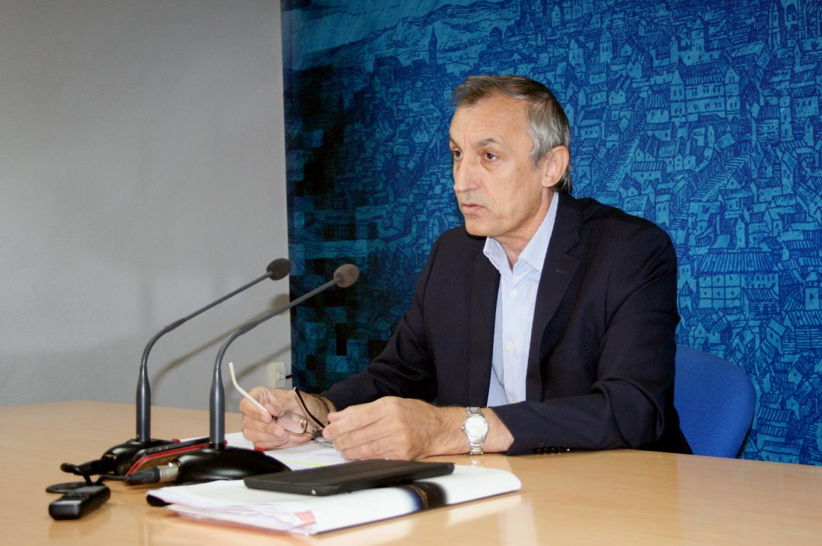 https://www.toledo.es/wp-content/uploads/2014/10/guijarro1-1200x798.jpg. El Ayuntamiento presenta 14 talleres de empleo a la Junta para contratar a 170 desempleados