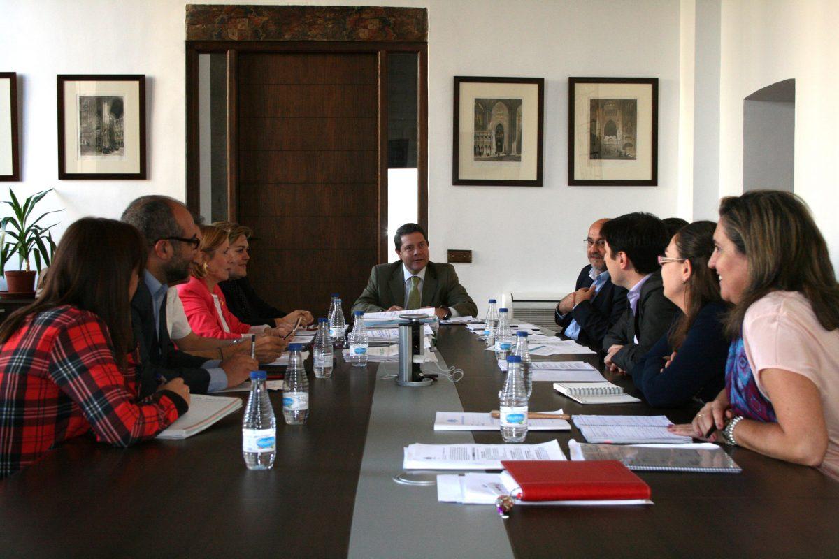 https://www.toledo.es/wp-content/uploads/2014/10/jgl_22_10_14-1200x800.jpg. Aprobada la encomienda a la EMV de obras municipales por importe de 400.000 euros