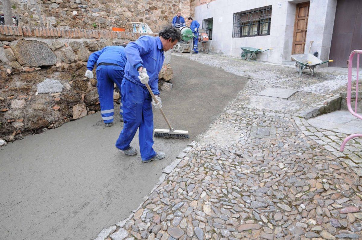 Obras de pavimentación en la Plaza de Barrionuevo