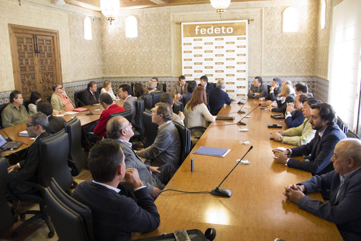 El Gobierno local informa a los empresarios toledanos de la revisión y situación jurídica del Plan de Ordenación Municipal