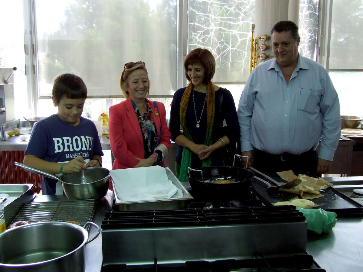 Respaldo del Ayuntamiento de Toledo a la labor que realiza la Asociación de Celiacos, que hoy ha celebrado un taller de cocina