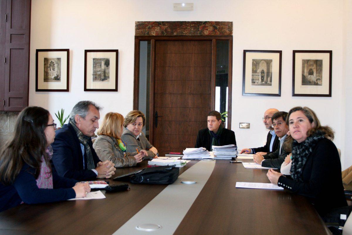 https://www.toledo.es/wp-content/uploads/2014/12/jgl_23_12_14-1200x803.jpg. El Gobierno local crea la Comisión Municipal de Actividades, de la Concejalía de Medio Ambiente