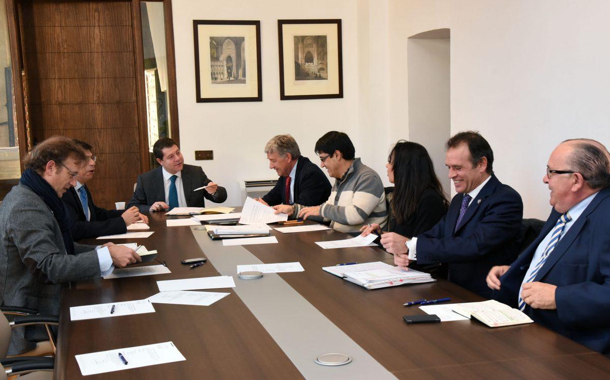 https://www.toledo.es/wp-content/uploads/2015/01/consejo_emsv-1200x748.jpg. La Empresa Municipal de la Vivienda cierra 2014 en positivo y garantiza su viabilidad para el presente ejercicio