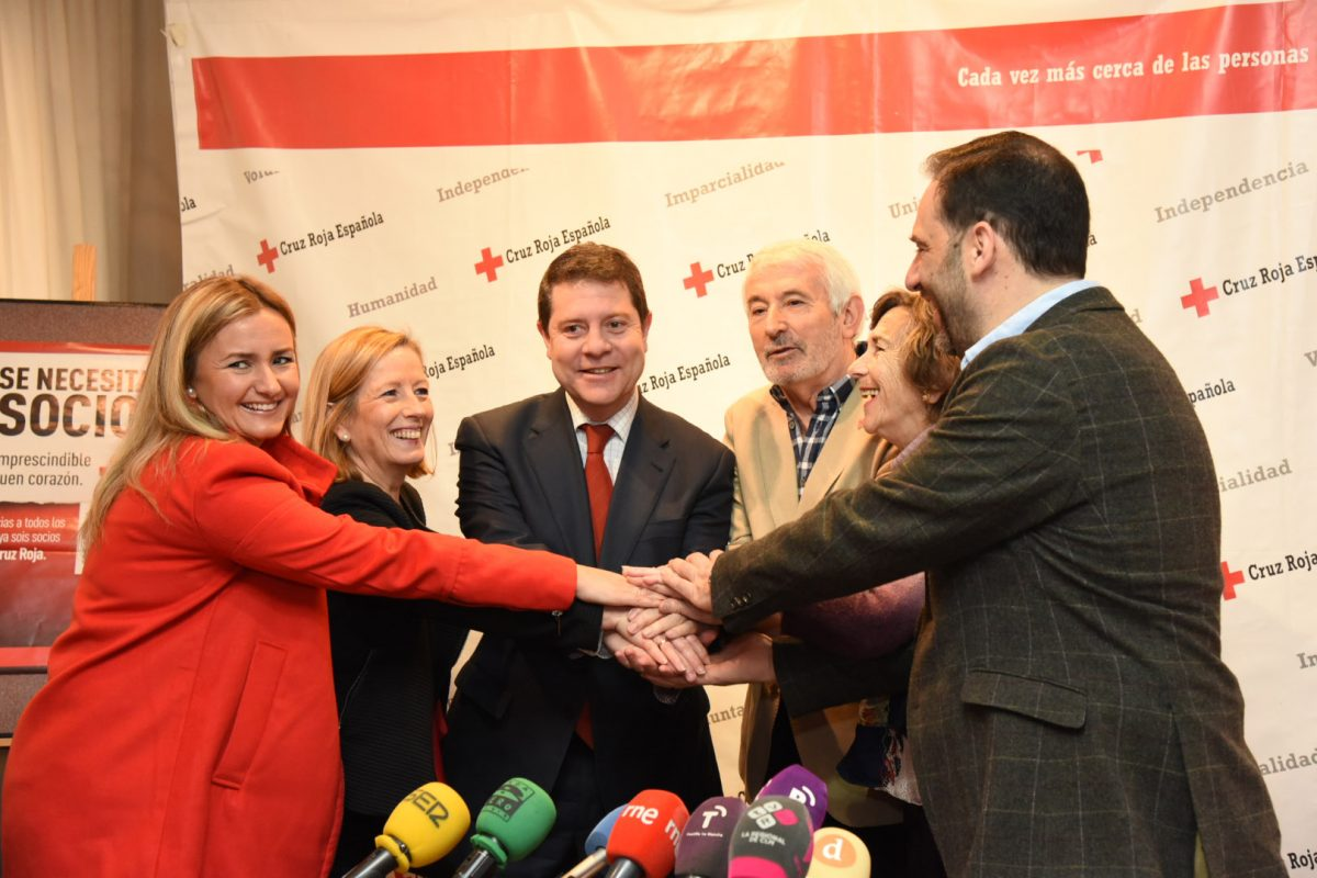 El Ayuntamiento apoya los programas de manutención y ayuda escolar de Cruz Roja con 15.000 euros