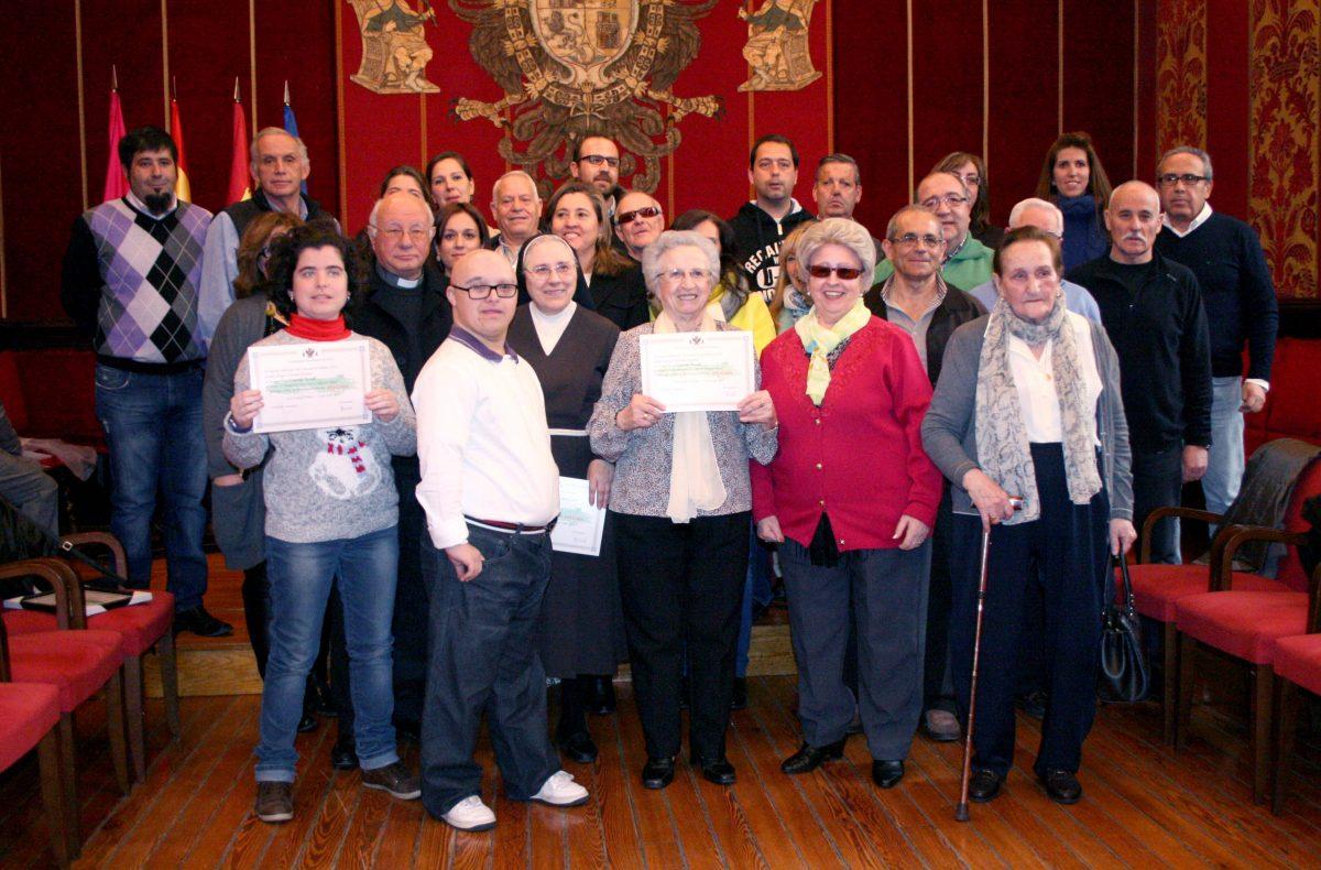 El Gobierno local entrega los premios de los tres concursos dinamizadores de las fiestas navideña