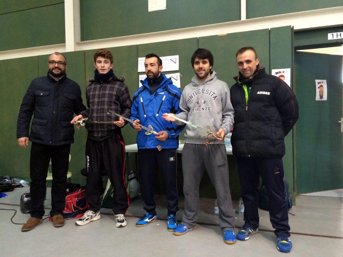 El rumano Daniel Peter se lleva la espada de campeón del I Torneo de Reyes de Tenis de Mesa