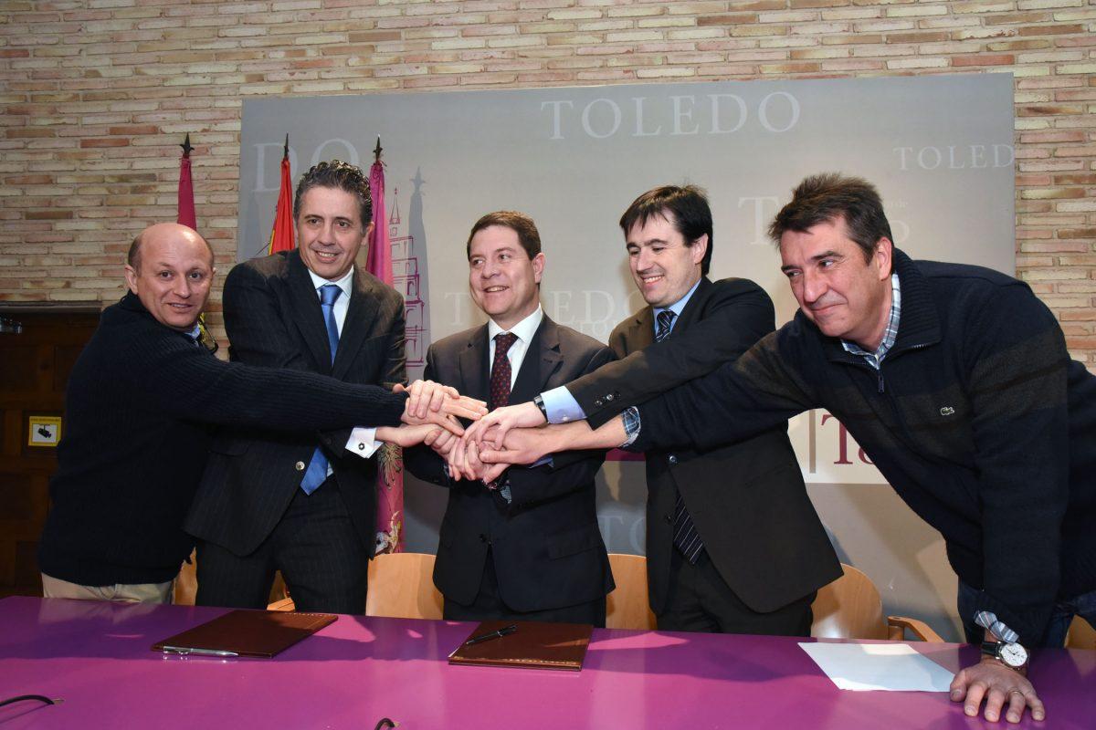 La iluminación del Baño de la Cava y un libro de Toledo nocturno, primeras acciones del acuerdo entre el Ayuntamiento y Philips