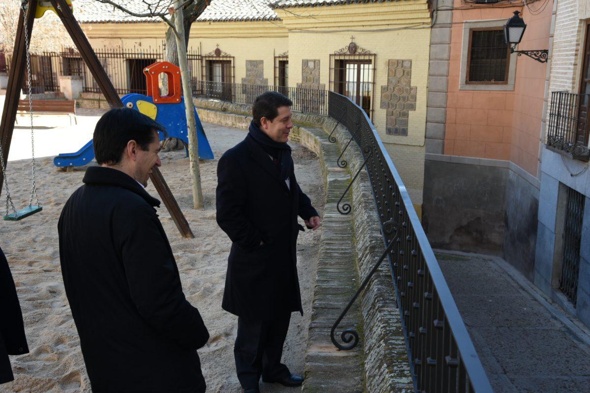 El Ayuntamiento mejora la seguridad para los usuarios de la Plaza de Juan de Mariana
