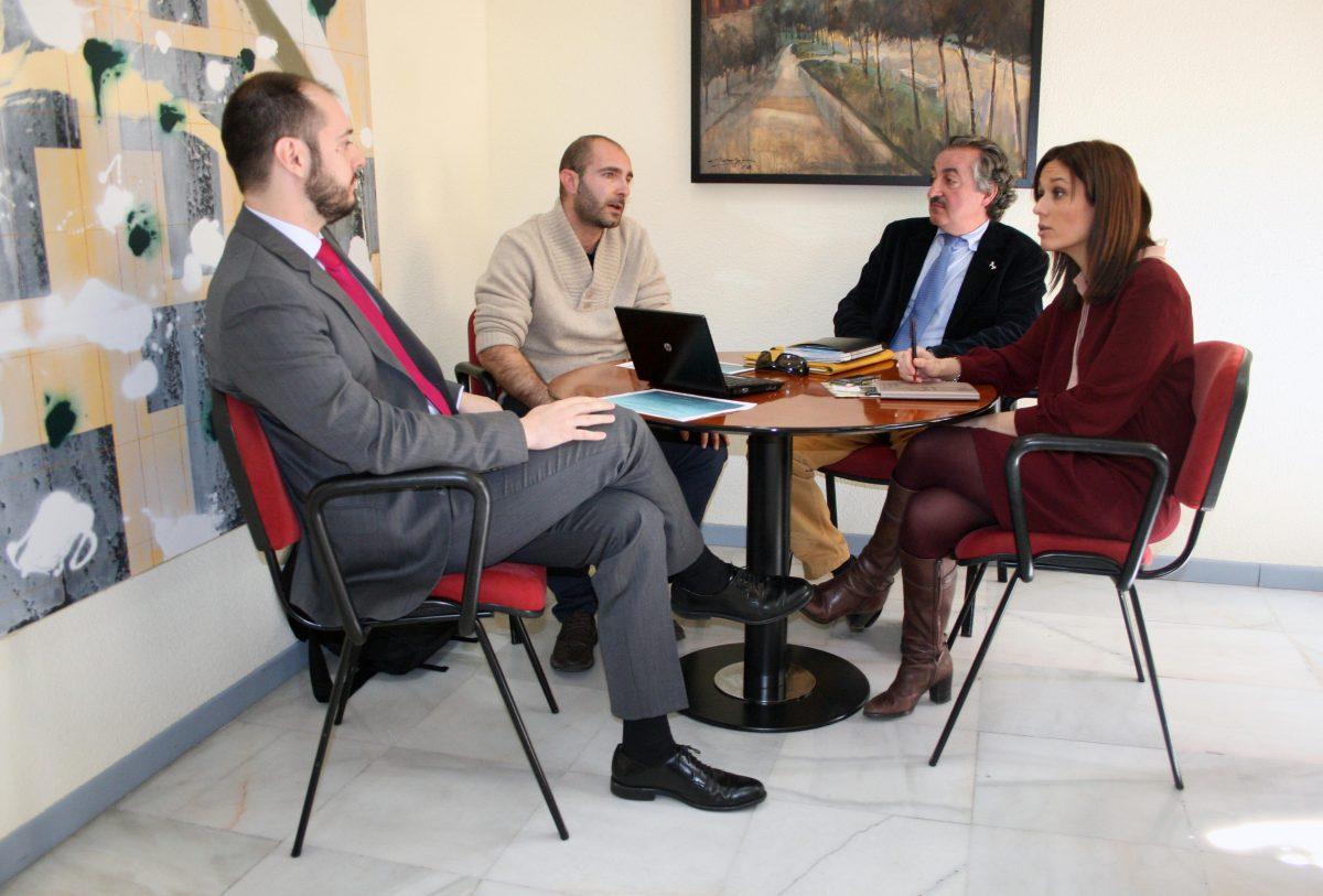 El Gobierno local apoya una iniciativa empresarial para comercializar e internacionalizar la artesanía toledana