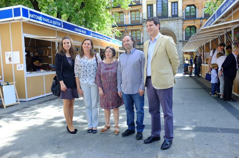 La X Feria del Libro ha dado comienzo hoy en Toledo para reivindicar el papel frente a los formatos digitales
