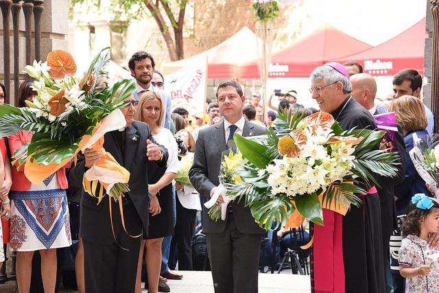 Más de 1.300 alumnos participan en la tradicional ofrenda floral del Corpus Christi