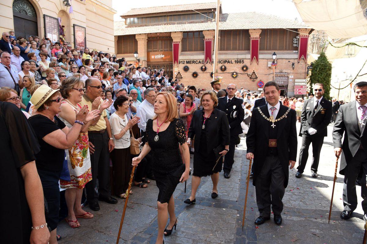 """García-Page, en su última procesión del Corpus Christi como alcalde, ratifica su compromiso con Toledo """"de por vida"""""""
