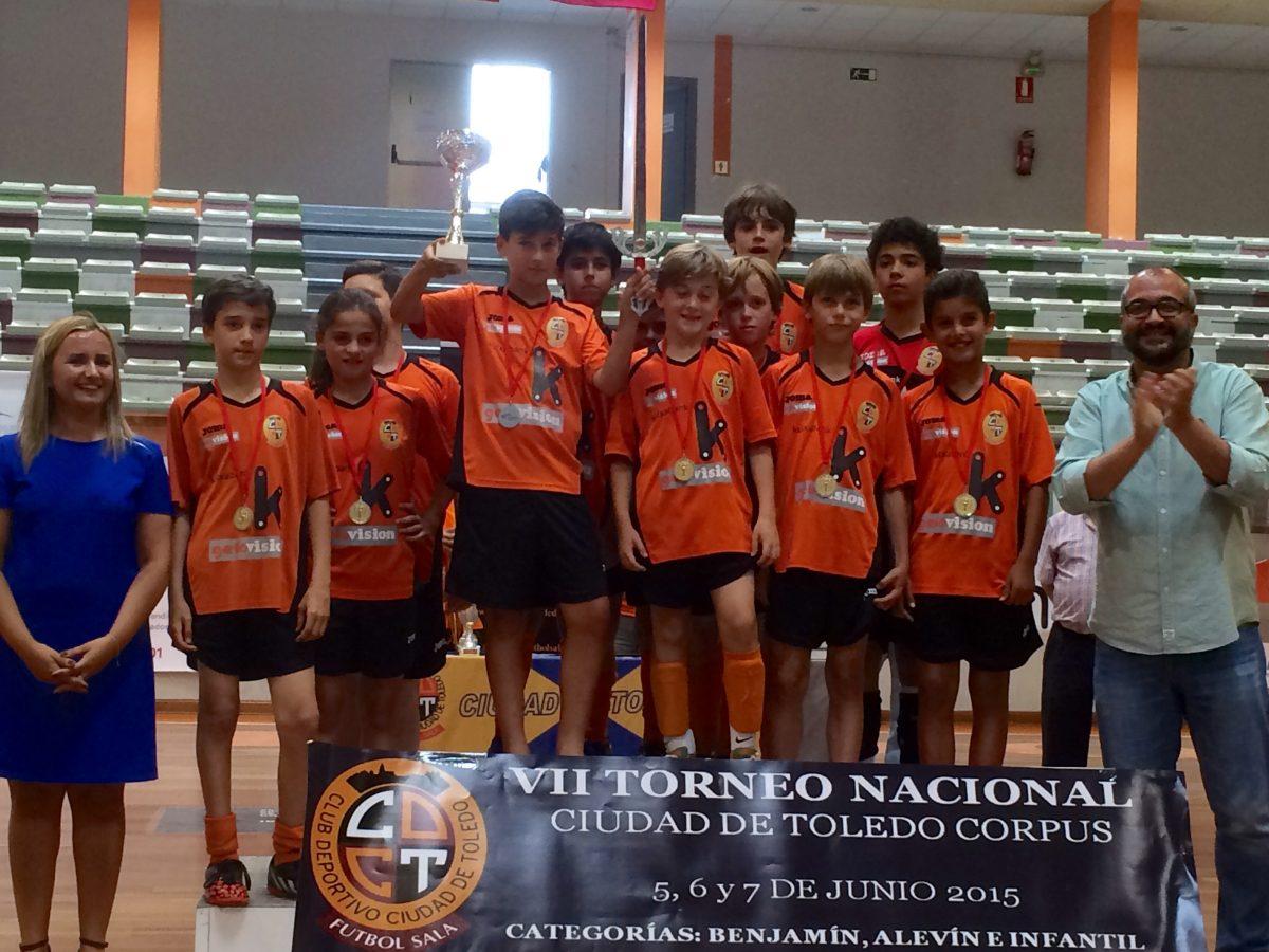 """Los alevines del CD Ciudad de Toledo Fútbol-Sala ganan su VII Torneo Nacional """"Corpus"""""""