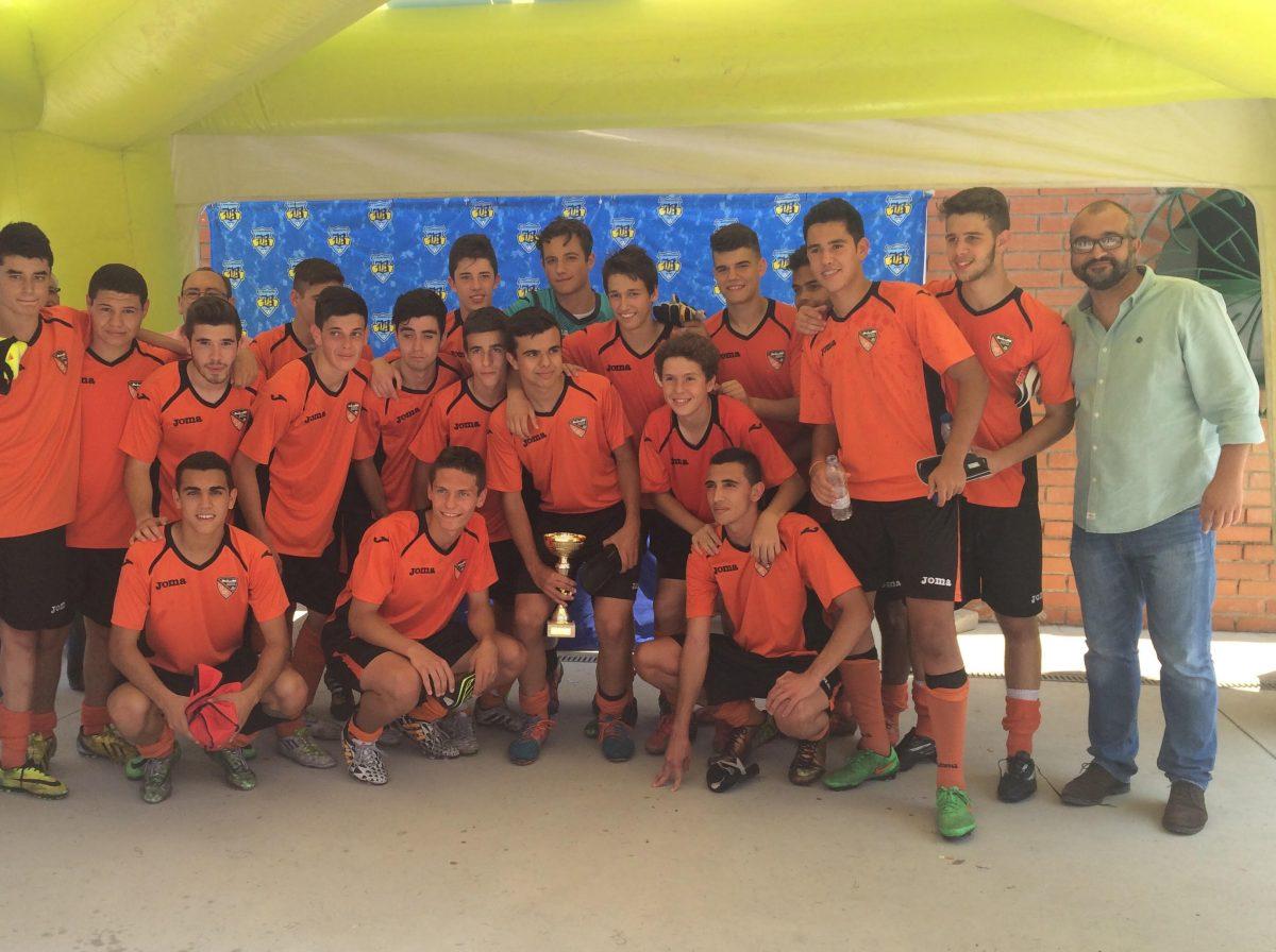 """El juvenil del Odelot-Toletum, campeón del VI Torneo """"Corpus"""" de Fútbol del C.F. Benquerencia"""