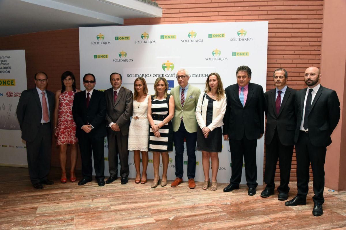 https://www.toledo.es/wp-content/uploads/2015/06/premios_once02-1200x800.jpg. Tolón valora los medios formativos, terapéuticos y laborales de la ONCE para promover una plena integración