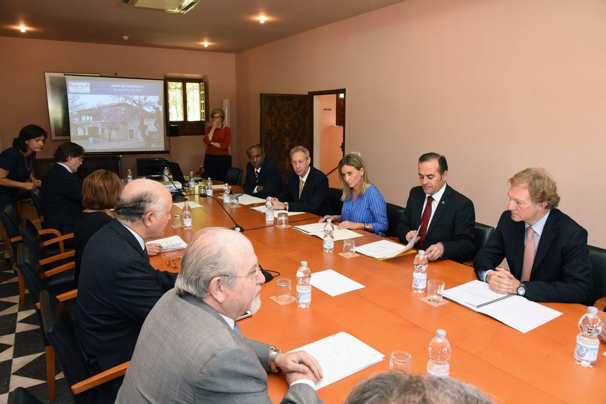 Milagros Tolón asiste a su primera reunión como miembro del Patronato de la Real Fundación Toledo