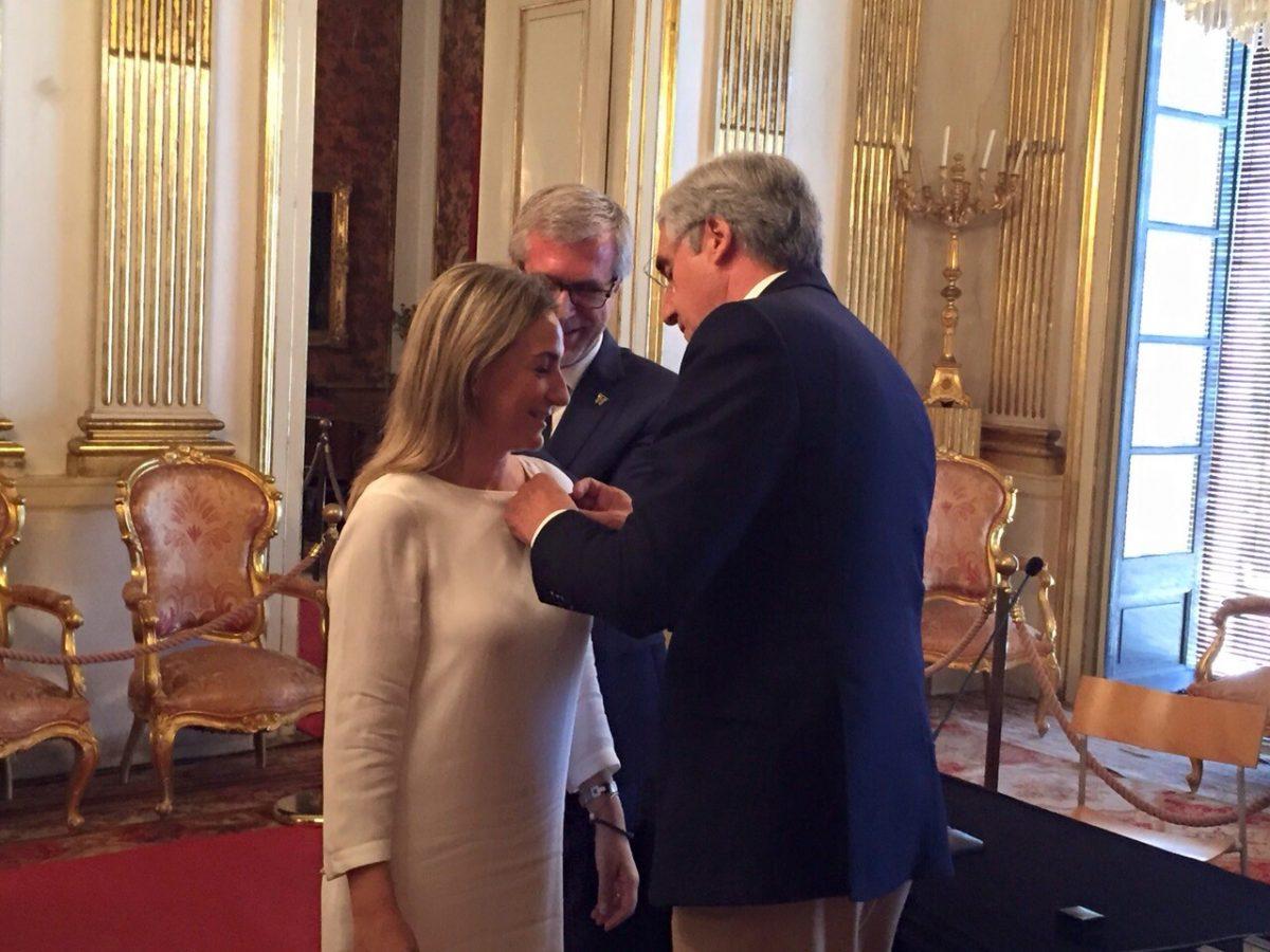 "La alcaldesa recibe con ""gran orgullo y honor"" la insignia como miembro de la Asamblea del Grupo de Ciudades Patrimonio"