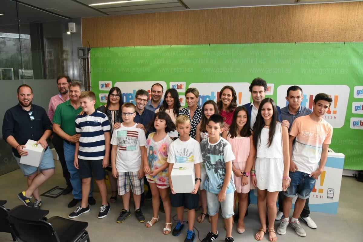 http://www.toledo.es/wp-content/uploads/2015/07/getbrit03-1200x800.jpg. La alcaldesa de Toledo ha asistido a la entrega de premios del concurso de talentos organizado por get brit!