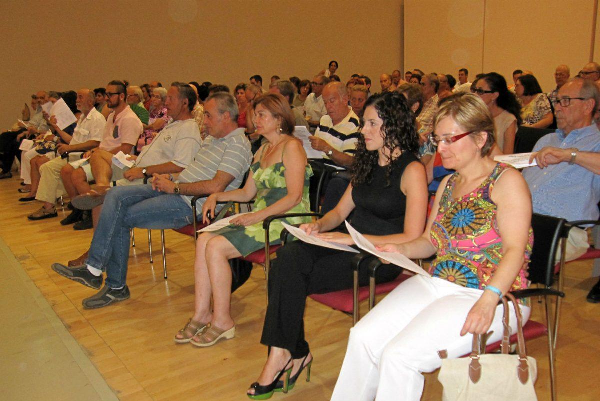 De la Cruz asiste al concierto de La Jolla Symphony & Chorus de California