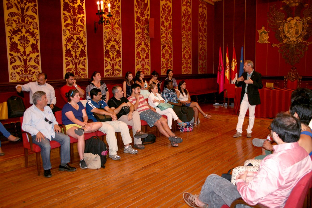 Alumnos del Posgrado Iberoamericano en Gobiernos y Políticas Públicas Locales visitan las dependencias del Ayuntamiento