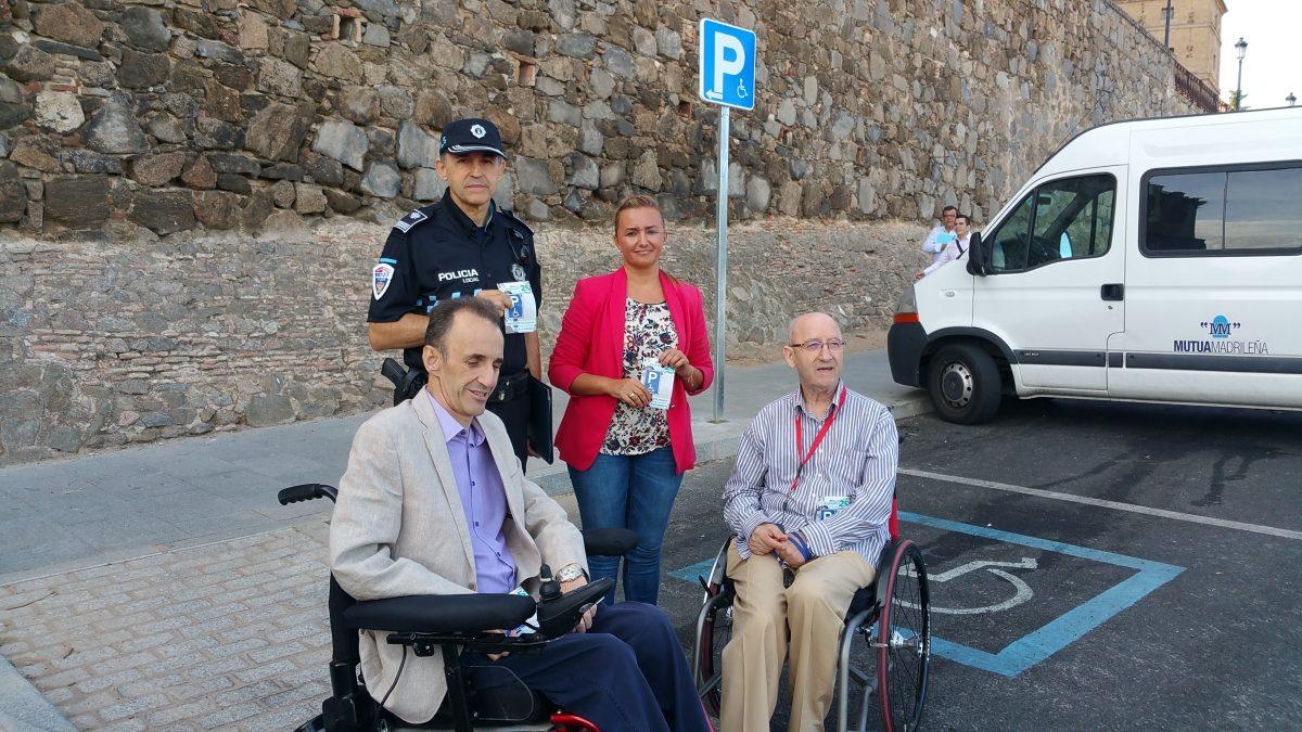 El Ayuntamiento de Toledo pide una mayor sensibilización en el uso de plazas de aparcamiento para discapacitados