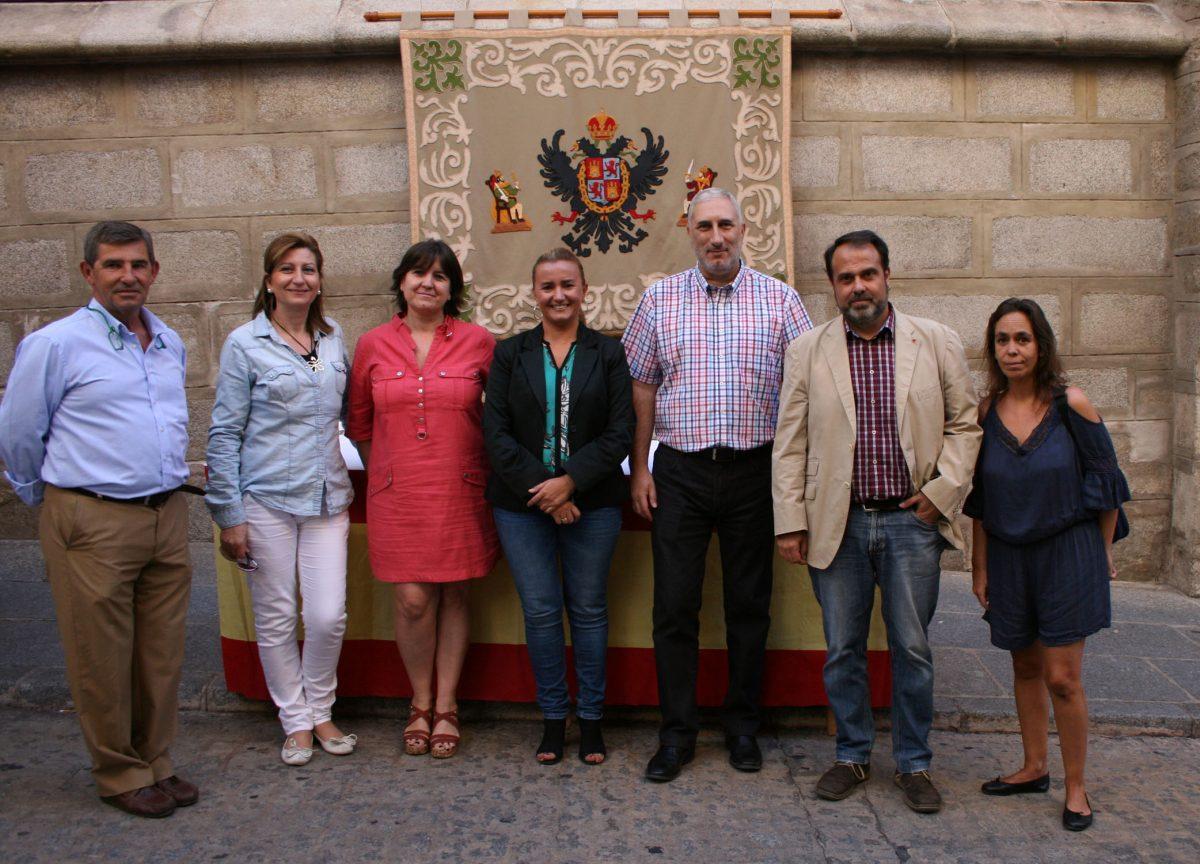 Miembros del equipo de Gobierno participan en la cuestación de la Asociación de Familiares de Enfermos de Alzheimer de Toledo
