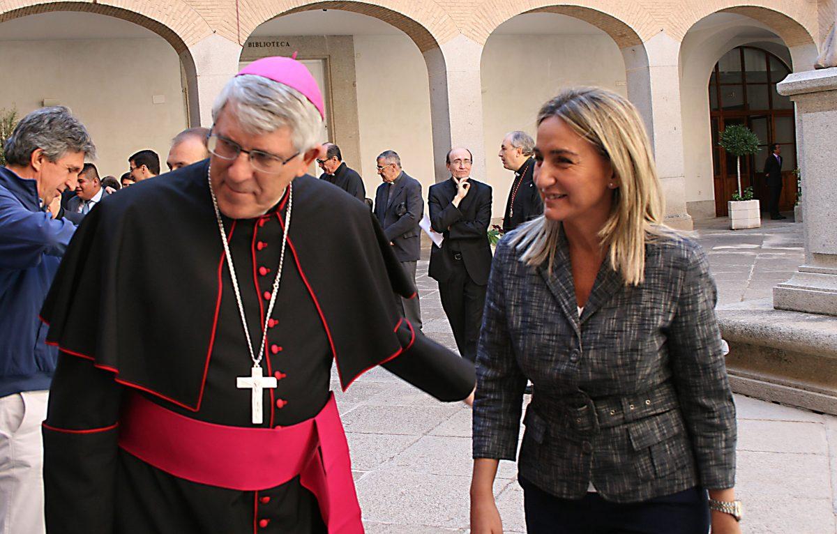 La alcaldesa de Toledo asiste a la apertura del curso académico 2015/2016 del Seminario, que ha presidido el arzobispo