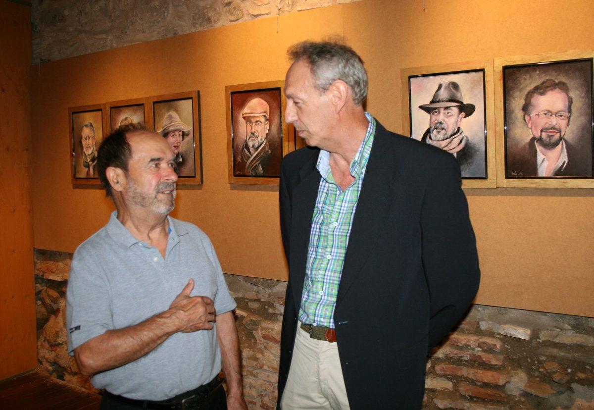 La sala de exposición de las Cuevas de Hércules acoge el homenaje de Jule al pintor y escritor toledano Fernando de Giles