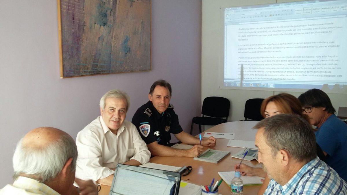 Pérez del Pino se reúne con Asociación de Vecinos El Tajo para tratar cuestiones de movilidad y seguridad ciudadana