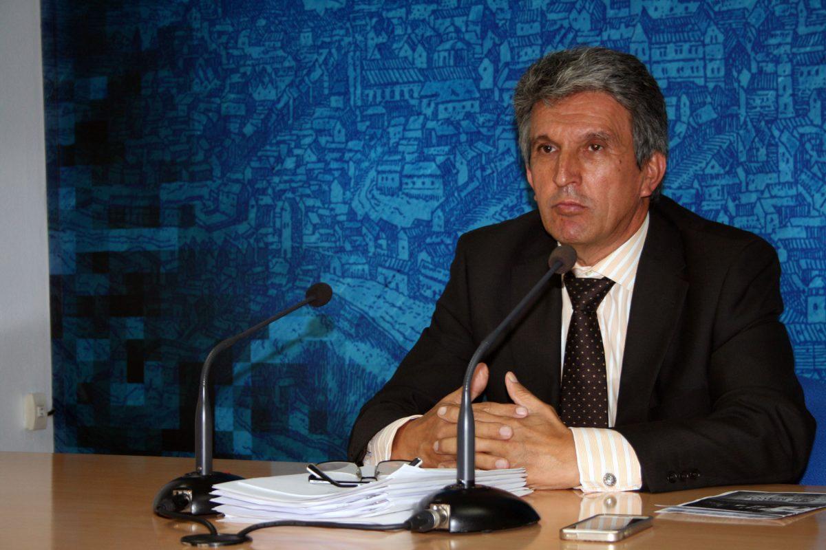 """https://www.toledo.es/wp-content/uploads/2015/09/jose_pablo_sabrido1-1200x800.jpg. El Gobierno local inicia la tramitación de las ordenanzas fiscales con un baja del 0,4 por ciento """"que no afectará a la estabilidad"""""""