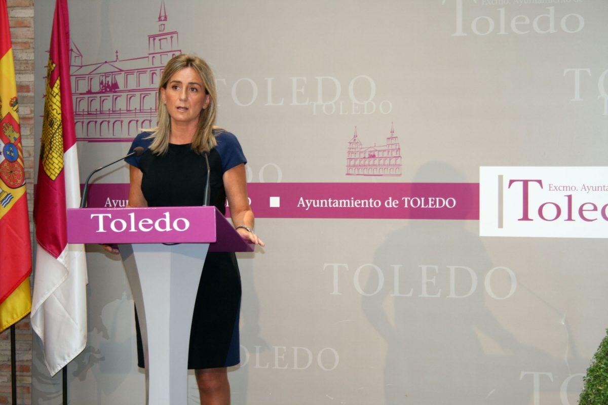 La alcaldesa de Toledo anuncia la bajada de todos los impuestos y precios públicos y la práctica totalidad de las tasas municipales