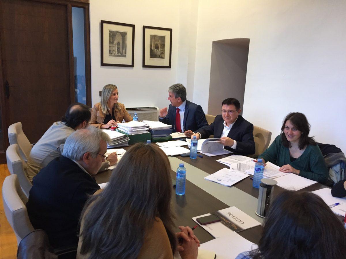 https://www.toledo.es/wp-content/uploads/2015/10/img-20151028-wa0014-1200x900.jpg. Aprobada la relación de locales públicos para celebrar actos electorales ante el 20-D