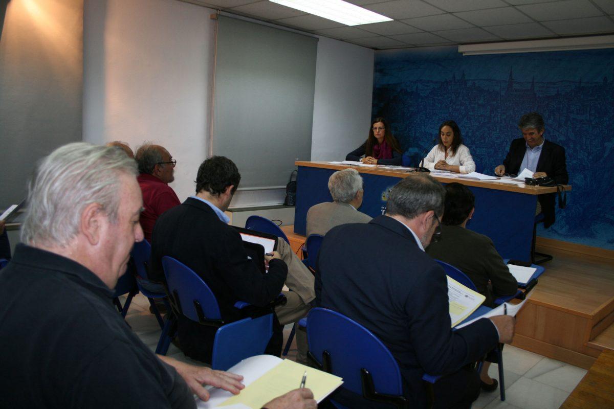 https://www.toledo.es/wp-content/uploads/2015/10/participacion-1200x800.jpg. El Gobierno local informa a las asociaciones vecinales del proyecto de ordenanzas fiscales, impuestos y precios públicos