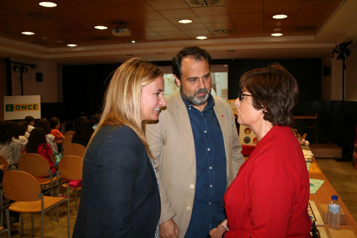 https://www.toledo.es/wp-content/uploads/2015/10/semana_once-1200x800.jpg. El Gobierno local apoya las actividades de sensibilización escolar que se realizan con motivo de la XXV Semana de la ONCE