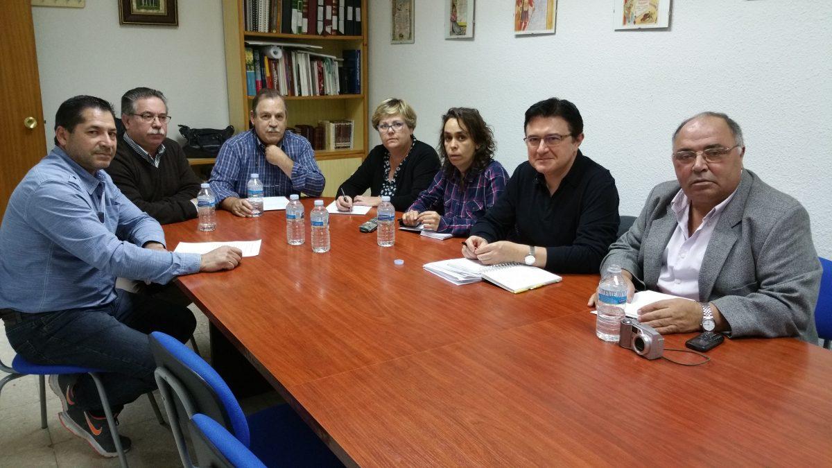 El Ayuntamiento se reúne con la Asociación de Vecinos Alcántara de Santa Bárbara para tratar personalmente sus inquietudes
