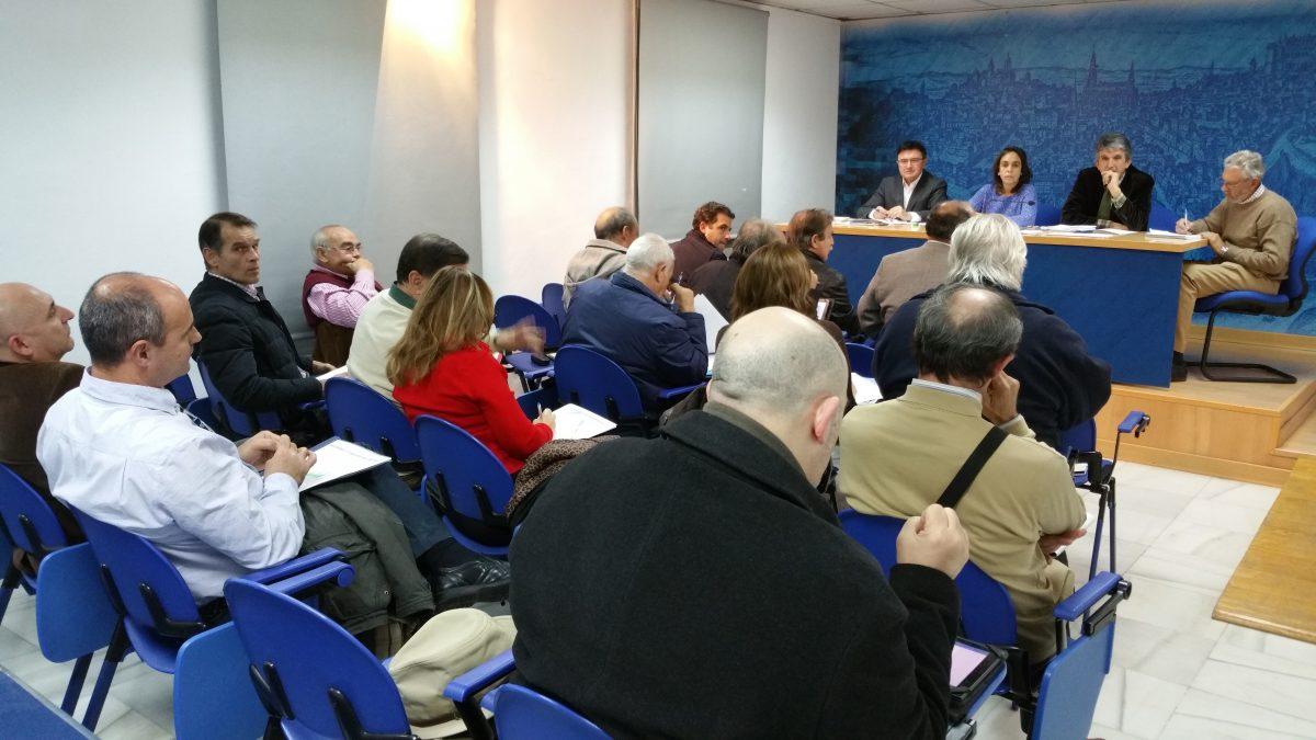 El equipo de Gobierno reúne al Consejo Municipal de Asociaciones de Vecinos para analizar los presupuestos de 2016