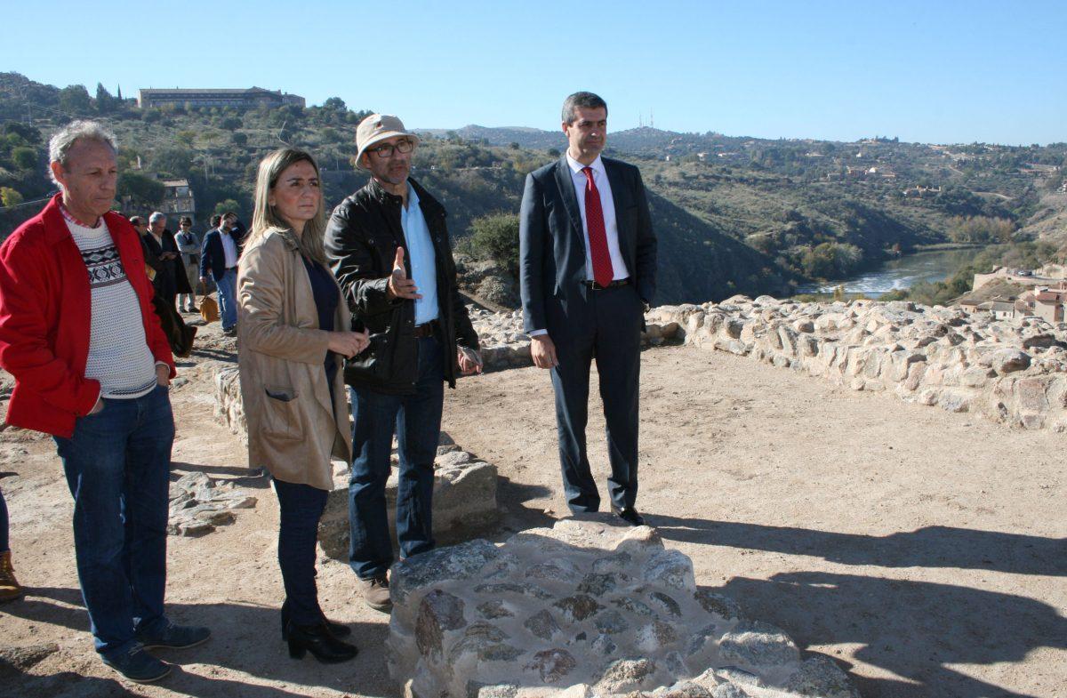 """La alcaldesa anuncia la próxima apertura de """"La Tahona y el Pintor"""" como sala cultural tras la rehabilitación del Consorcio"""