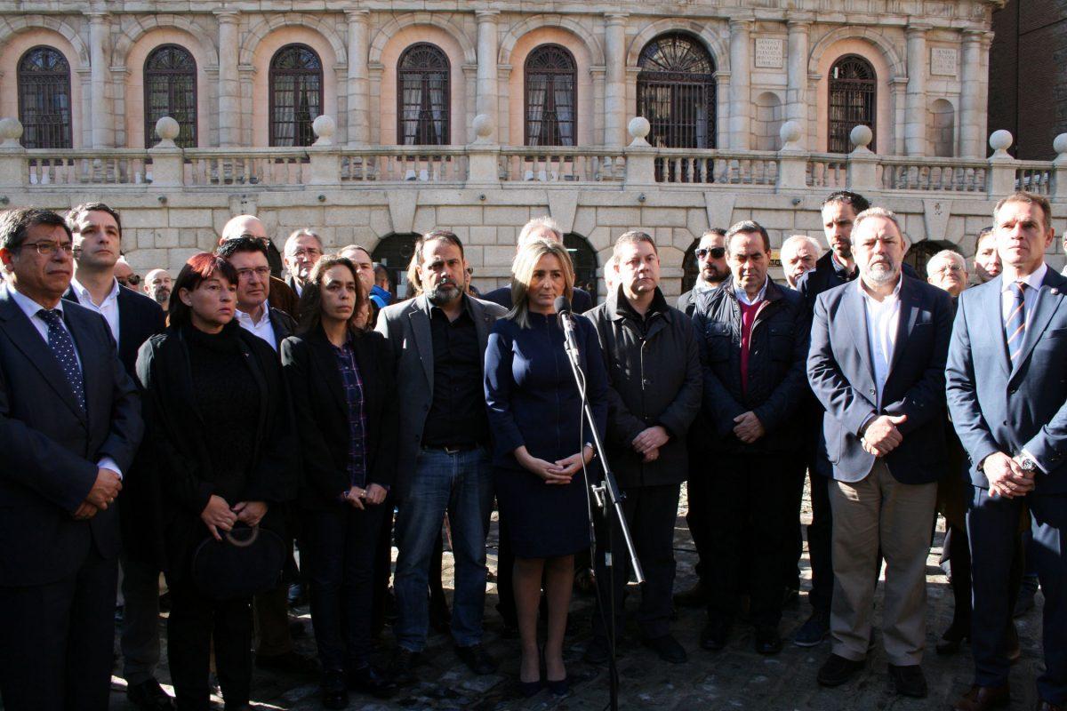 La ciudad de Toledo muestra su solidaridad con el pueblo francés y su repulsa por los atentados terroristas de París