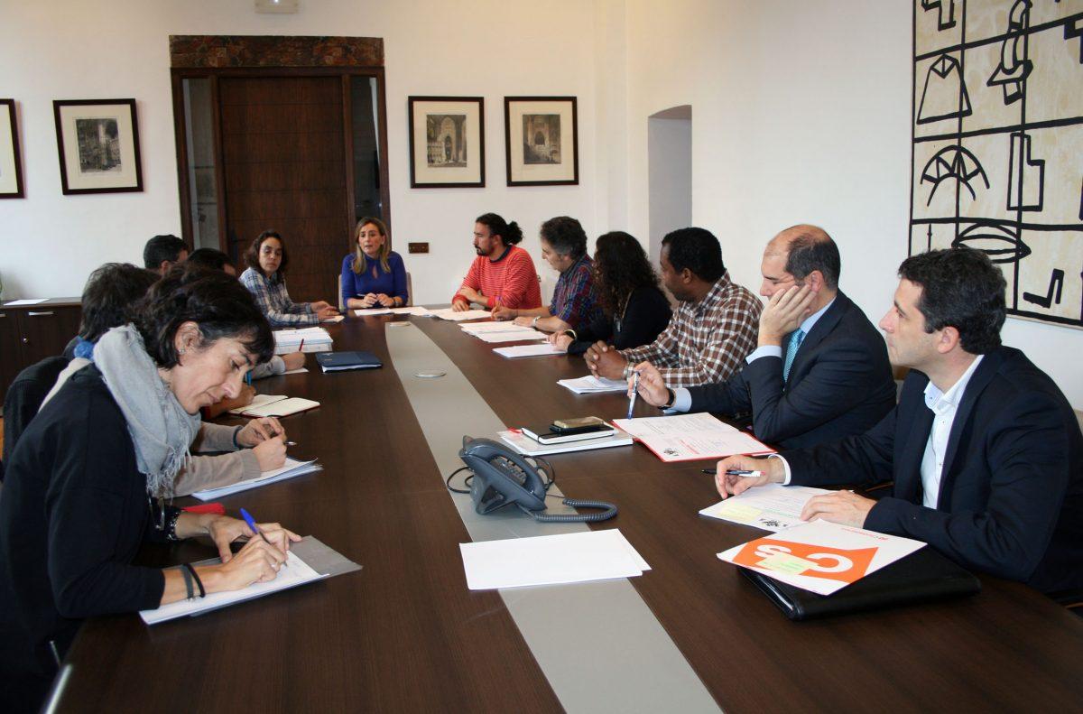 El Ayuntamiento promueve una mayor implicación de las entidades con la creación del Consejo de Cooperación de Toledo