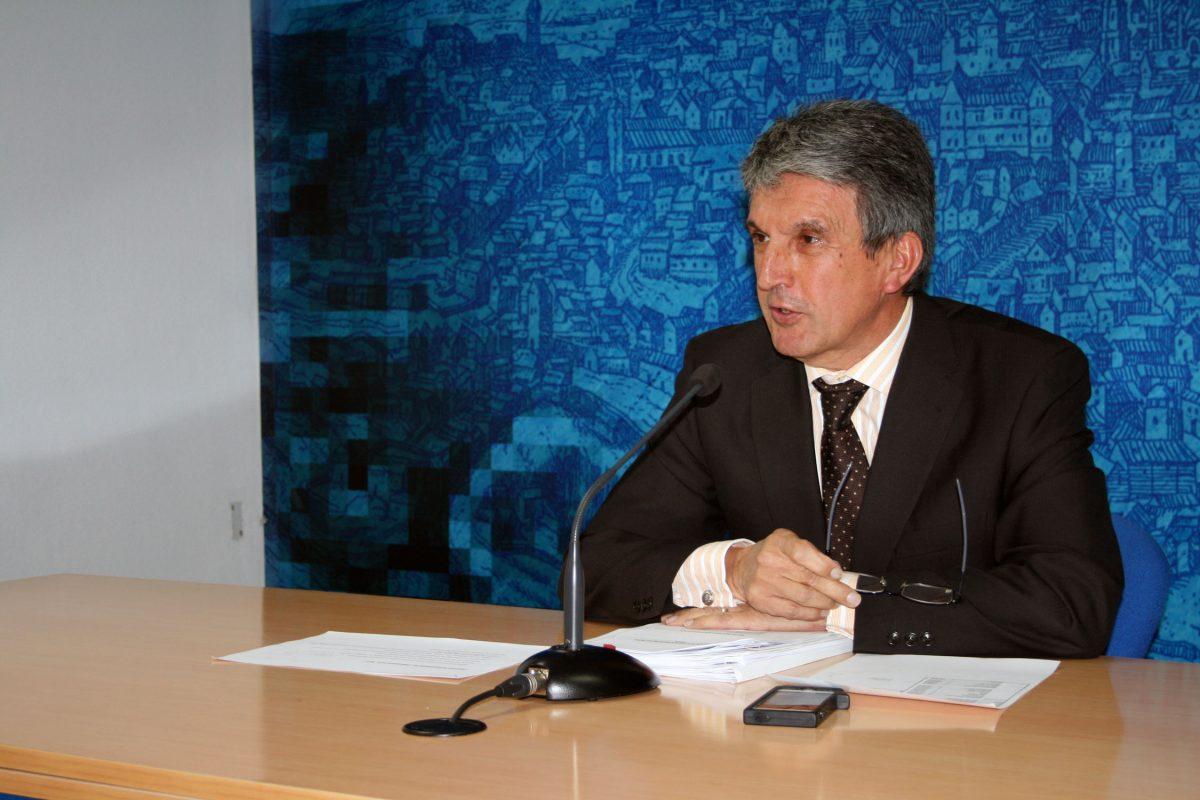 Calidad de los servicios, fomento del empleo, atención social y reducción de deuda, objetivos del Presupuesto Municipal de 2016