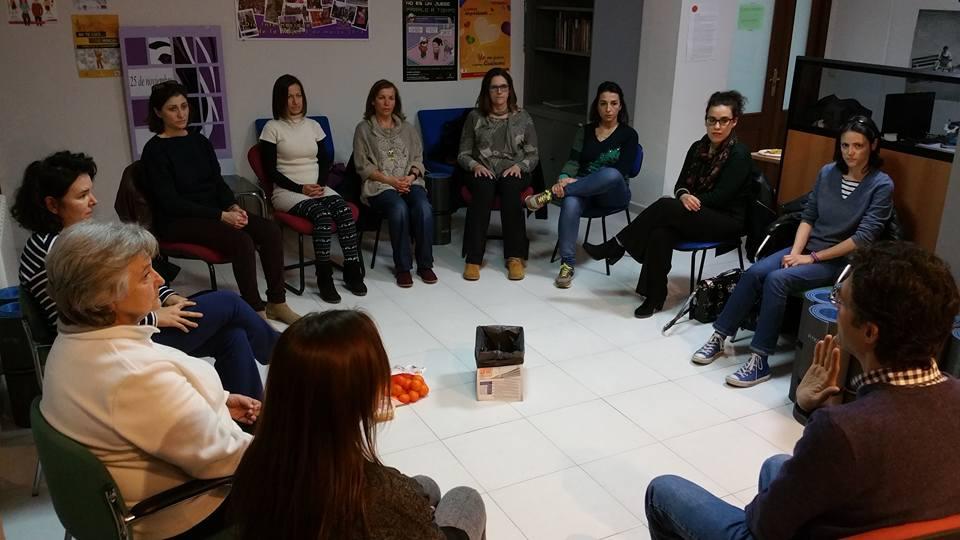http://www.toledo.es/wp-content/uploads/2015/12/12347829_10153341472387183_8044278853712557511_n.jpg. La Concejalía de Igualdad ofrece talleres gratuitos de Mindfulness y Meditación para mujeres