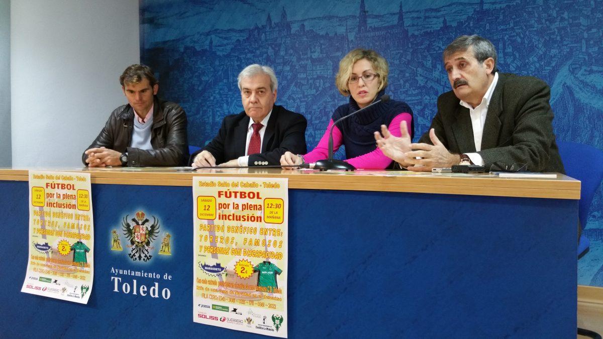 http://www.toledo.es/wp-content/uploads/2015/12/20151210_104757-1200x675.jpg. El Ayuntamiento colabora en un partido de fútbol benéfico en el que participan toreros, famosos, políticos y periodistas